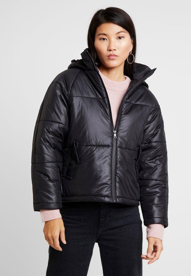 RUDI RAGLAN PUFFER - Light jacket - high shine black