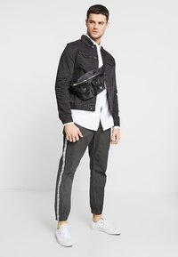 Cotton On - BRUNSWICK SLIM FIT - Camicia - white oxford - 1