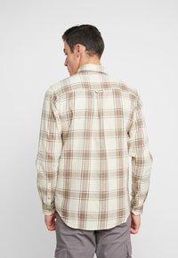 Cotton On - BRUNSWICK SLIM FIT - Skjorta - natural bold check - 2