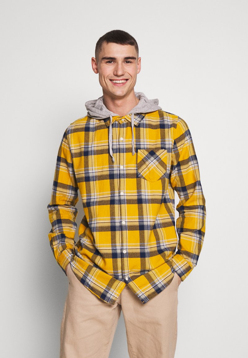 Cotton On - RUGGED HOODED SHIRT - Camisa - yellow