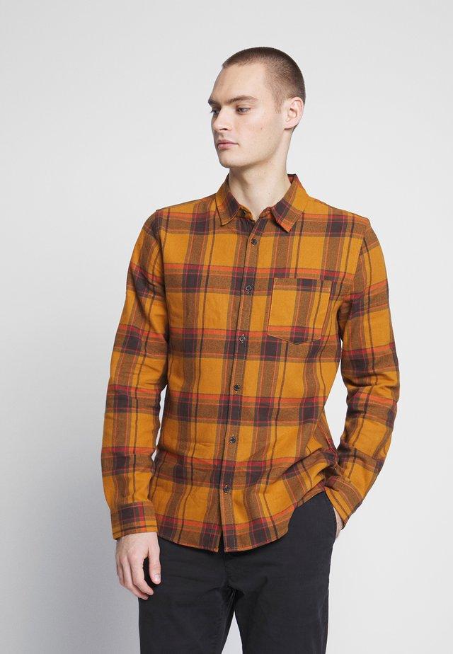 RUGGED LONG SLEEVE - Shirt - burnt orange check