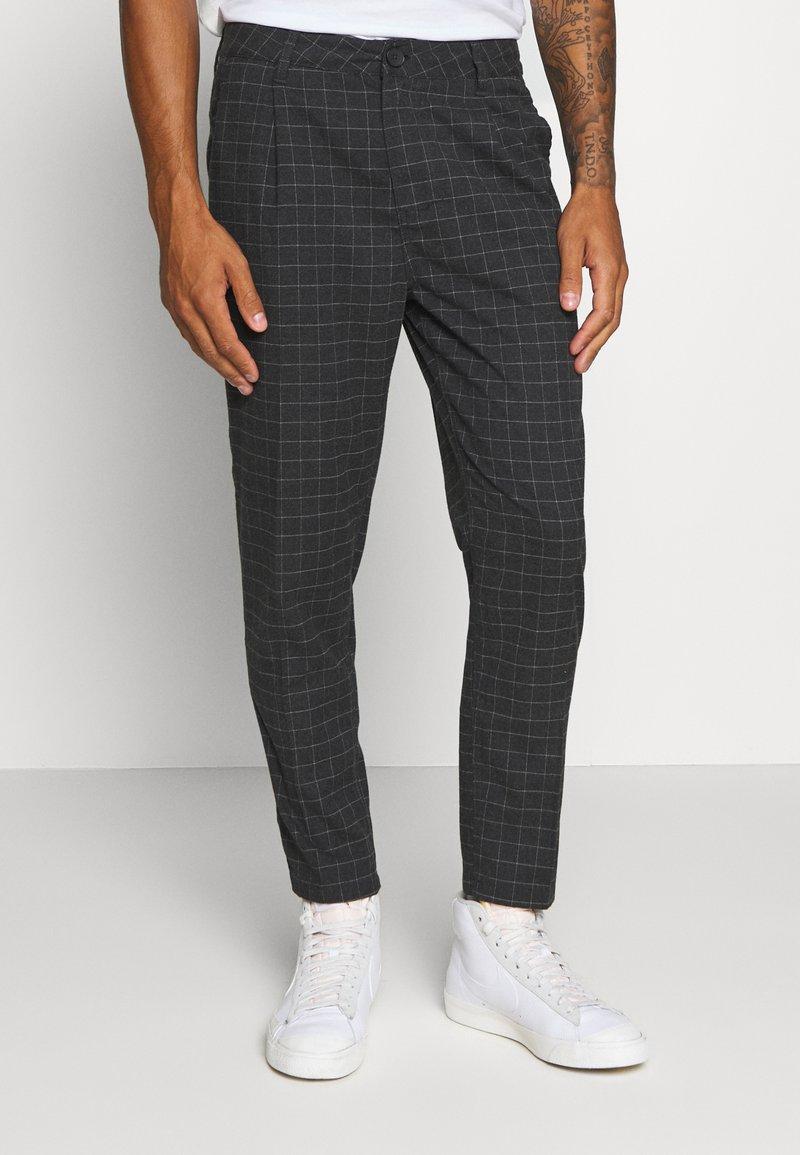 Cotton On - OXFORD TROUSER - Kalhoty - black/off-white