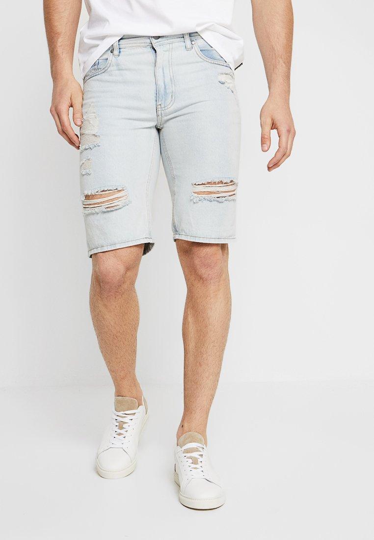 Cotton On - ROLLER - Denim shorts - rigid idaho blue
