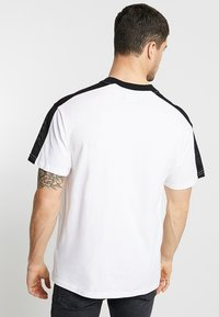 Cotton On - DOWNTOWN LOOSE FIT TEE - T-Shirt print - white - 2
