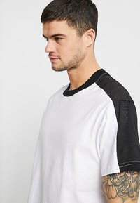 Cotton On - DOWNTOWN LOOSE FIT TEE - T-Shirt print - white - 4