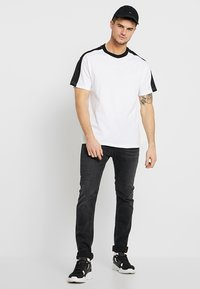 Cotton On - DOWNTOWN LOOSE FIT TEE - T-Shirt print - white - 1