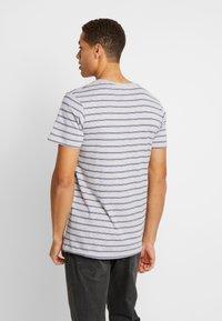 Cotton On - PREMIUM CREW - T-shirts med print - light grey marle/ink navy - 3