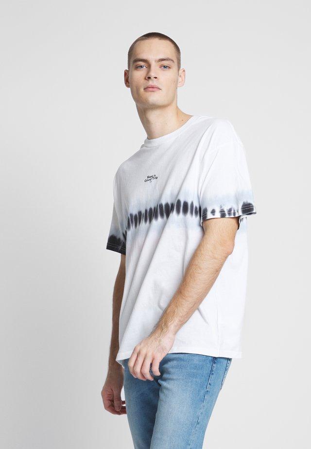 FESTIVAL TEE - T-Shirt print - vintage white/blue fog/washed black/light lilac