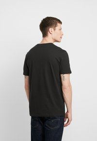 Cotton On - COLLAB MOVIE & TV - T-Shirt print - washed black - 2