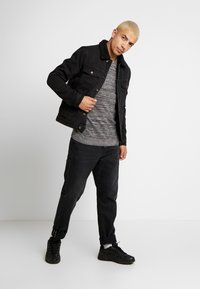 Cotton On - LIGHTWEIGHT CREW - Jumper - charcoal - 1