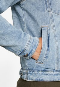 Cotton On - BORG JACKET - Lett jakke - distressed blue - 5