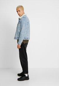 Cotton On - BORG JACKET - Lett jakke - distressed blue - 1
