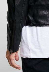 Cotton On - BIKER JACKET - Faux leather jacket - black - 3