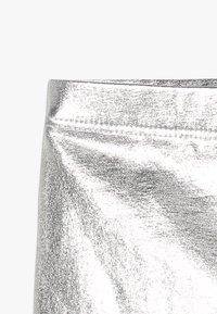 Cotton On - KIDS HUGGIE - Legíny - silver metallic - 3