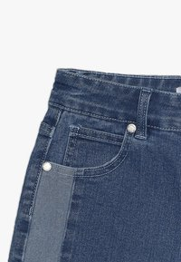 Cotton On - TEEN GIRLS - Shorts vaqueros - indigo - 4