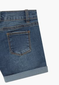 Cotton On - CAMILLA - Denim shorts - blue denim - 3