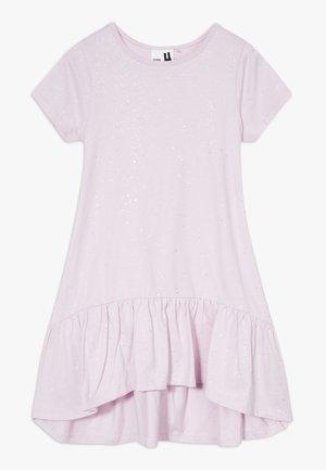 JOSS SHORT SLEEVE DRESS - Žerzejové šaty - lavendar fog/galactic sparkle