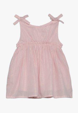 DAISY DRESS BABY - Koktejlové šaty/ šaty na párty - dusty pink/gold