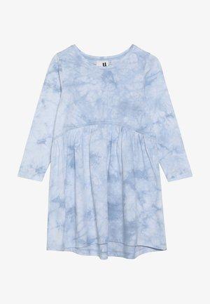 FREYA LONG SLEEVE DRESS - Robe en jersey - dusty blue tie dye