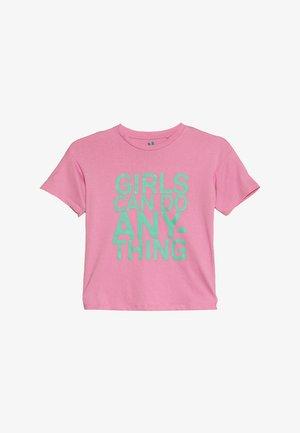 KIDS PENELOPE LOOSE FIT TEE - Camiseta estampada - fuschia