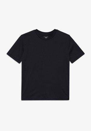 TEEN EQUALS TEE - Jednoduché triko - shadow