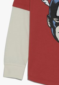 Cotton On - LICENSE TEE - Longsleeve - red - 2