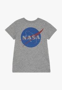 Cotton On - Camiseta estampada - grey - 1