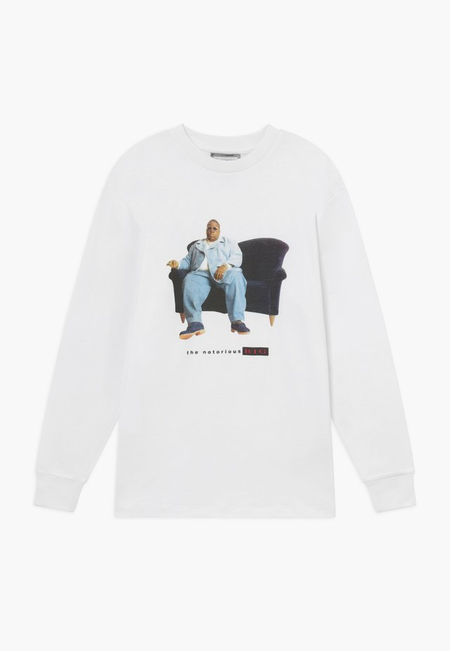 MERCH TRAFFIC BIGGIE CHRIS LONG SLEEVE TEE - Long sleeved top - white
