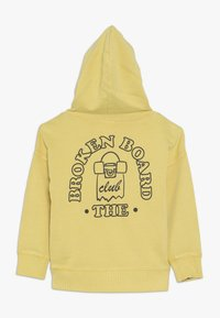 Cotton On - LIAM HOODIE - Sweat à capuche - corn syrup - 1