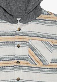 Cotton On - HARRISON HOODED LONG SLEEVE  - Košile - white - 4