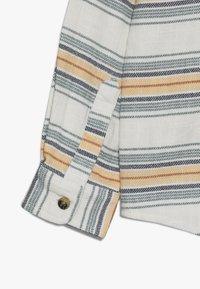 Cotton On - HARRISON HOODED LONG SLEEVE  - Košile - white - 2