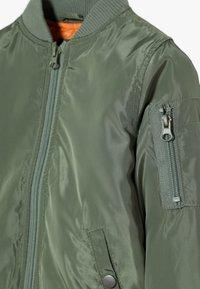 Cotton On - AIRFORCE BOMBER - Chaquetas bomber - khaki - 4