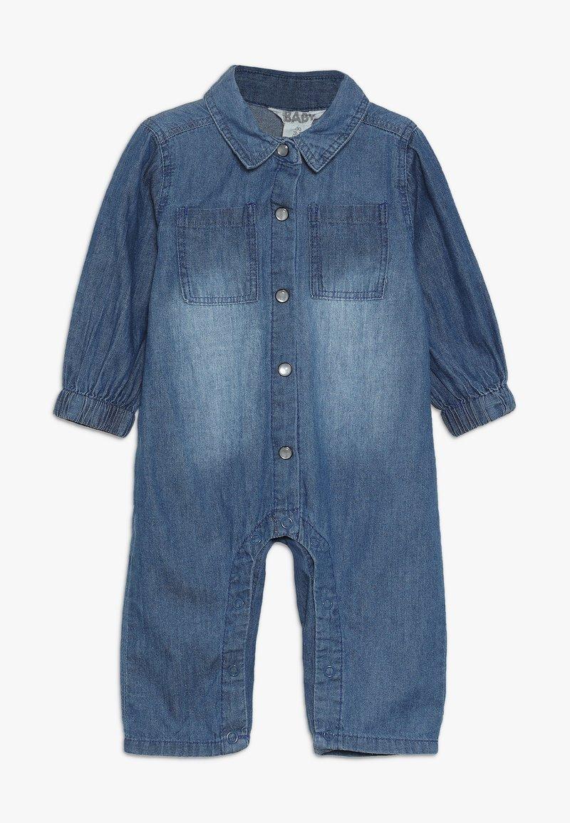 Cotton On - MICAH BOILERSUIT BABY - Jumpsuit - mid denim wash