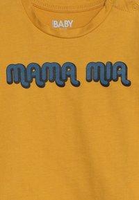 Cotton On - JAMIE SHORT SLEEVE TEE BABY - T-Shirt print - yellow - 3