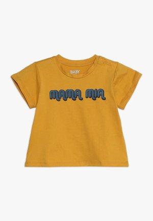 JAMIE SHORT SLEEVE TEE BABY - Print T-shirt - yellow