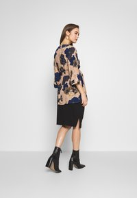 Cotton On - MATERNITY GATHERED SIDE SPLIT SKIRT - Pencil skirt - black - 2