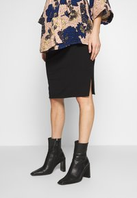 Cotton On - MATERNITY GATHERED SIDE SPLIT SKIRT - Pencil skirt - black - 0
