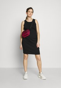 Cotton On - MATERNITY HIGH NECK MIDI DRESS - Jersey dress - black - 1