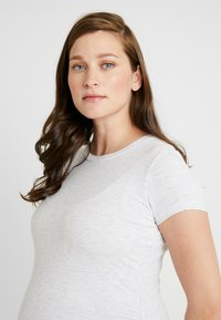 Cotton On - MATERNITY  FRONT SHORT SLEEVE - Basic T-shirt - grey marle - 3