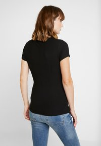 Cotton On - MATERNITY  FRONT SHORT SLEEVE - Jednoduché triko - black - 2