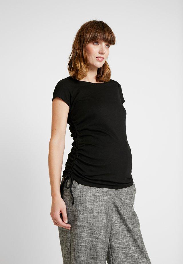 SIDE TIE SHORT SLEEVE - T-shirt z nadrukiem - black