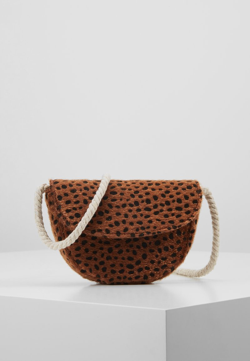 Cotton On - CROSSBODY SADDLE BAG - Bandolera - brown