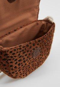 Cotton On - CROSSBODY SADDLE BAG - Schoudertas - brown - 5