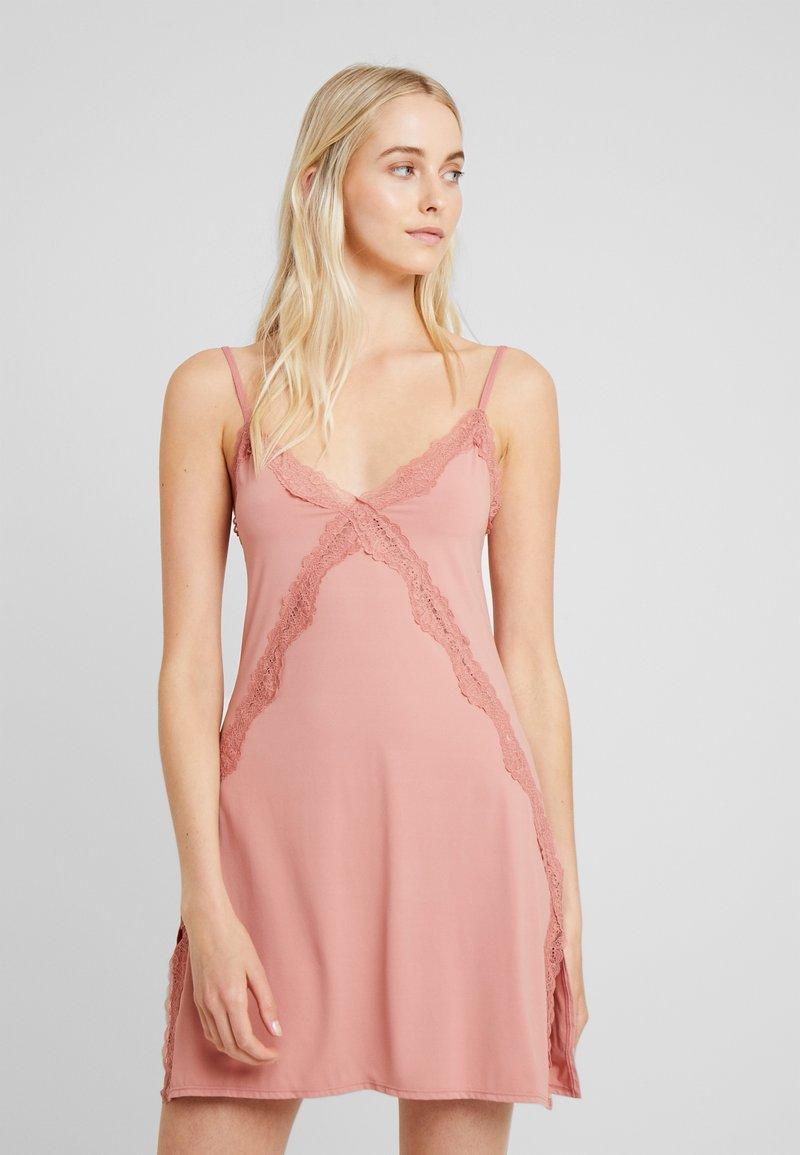 Cotton On Body - CROSS SLINKY NIGHTIE - Noční košile - rose tan