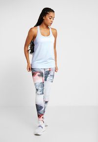 Cotton On Body - TRAINING TANK - Sports shirt - blue jewel marle