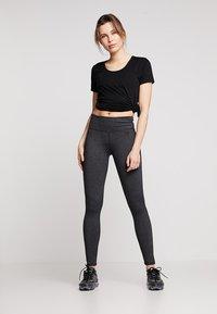 Cotton On Body - GYM - Basic T-shirt - black - 1