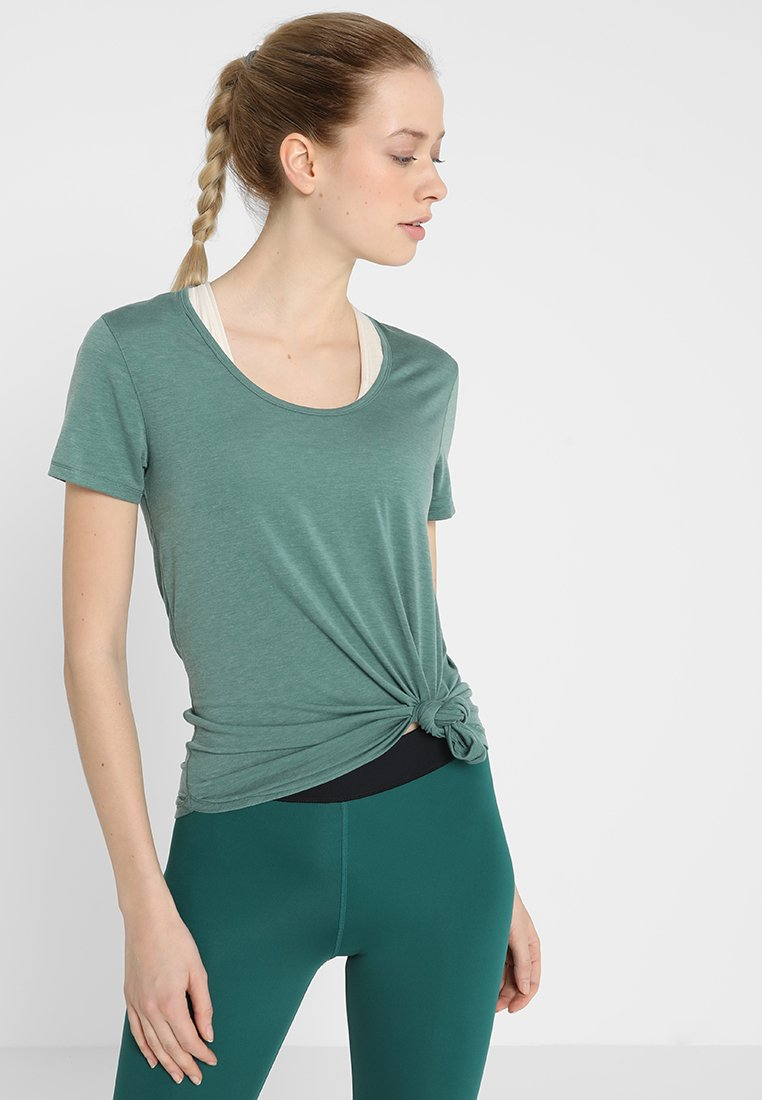 Cotton On Body - GYM  - T-Shirt basic - fern green