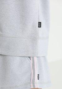 Cotton On Body - LONG SLEEVE TERRY CREW - Mikina - grey marle/white - 5