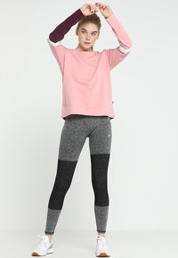 Cotton On Body - LONG SLEEVE TERRY CREW - Sweatshirt - meringue - 1
