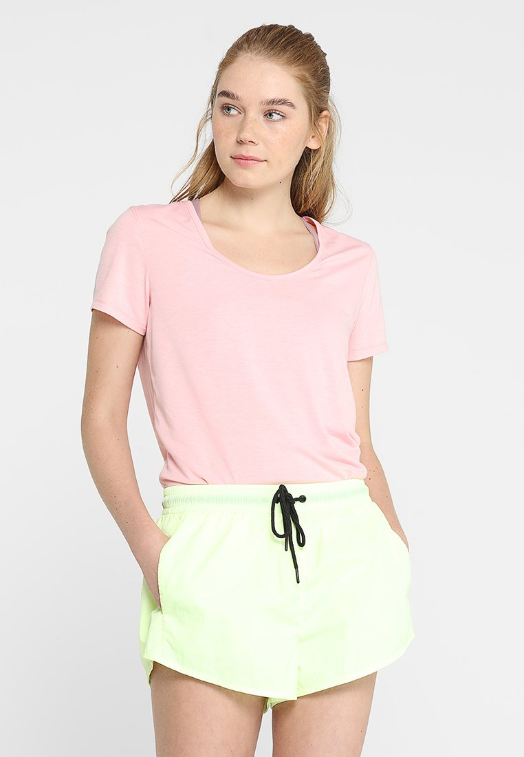 Cotton On Body - GYM - T-shirt basic - meringue